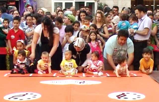 Bebek Emekleme Yarışması