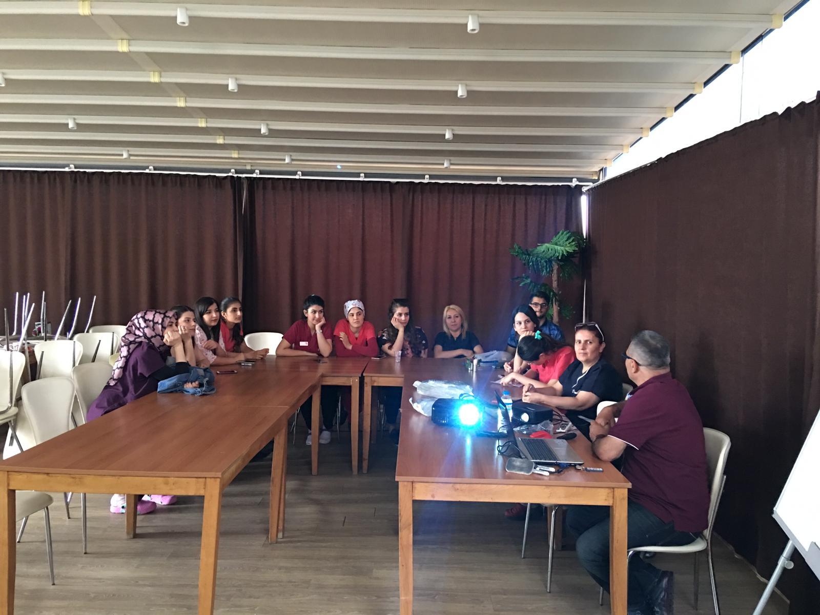 Op.Dr. Mustafa Güleç ERKILIÇ ( Kolostomili Hasta Bakımı Eğitimi )